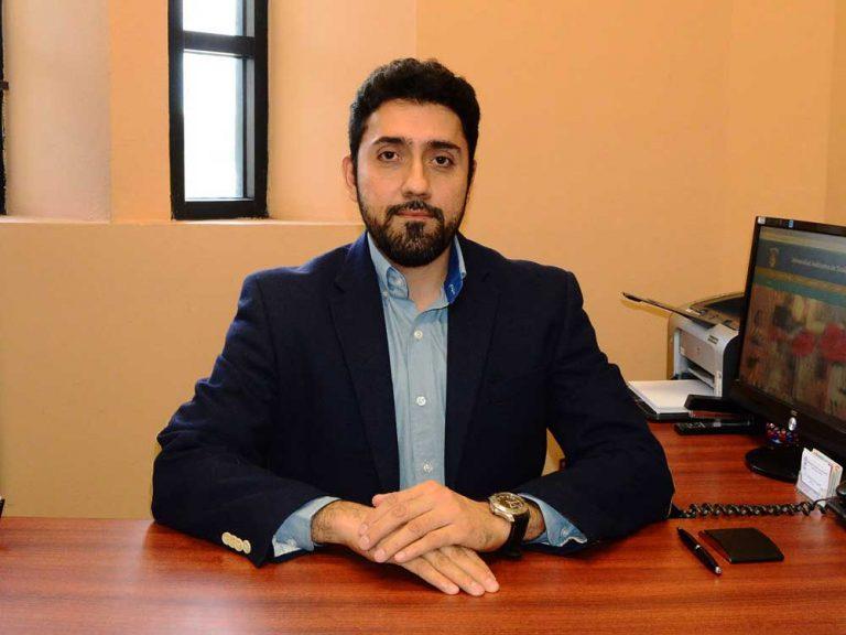 Dr. Eleazar González Álvarez